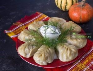 https://nehudeem.ru/recipe/manty-s-tykvoj-i-kurino-govyazhim-farshem/