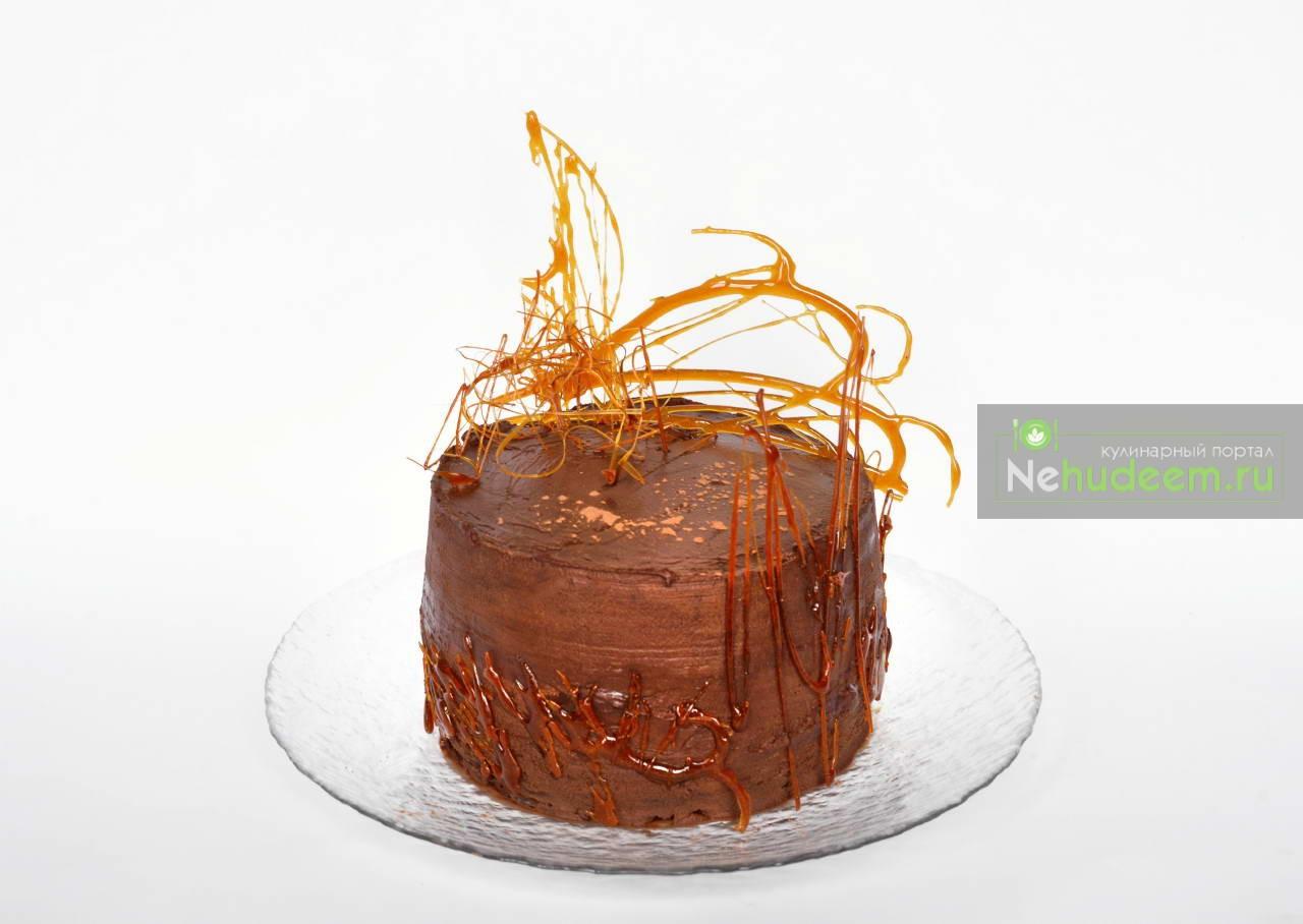 Веганский торт с шоколадным крем-муссом