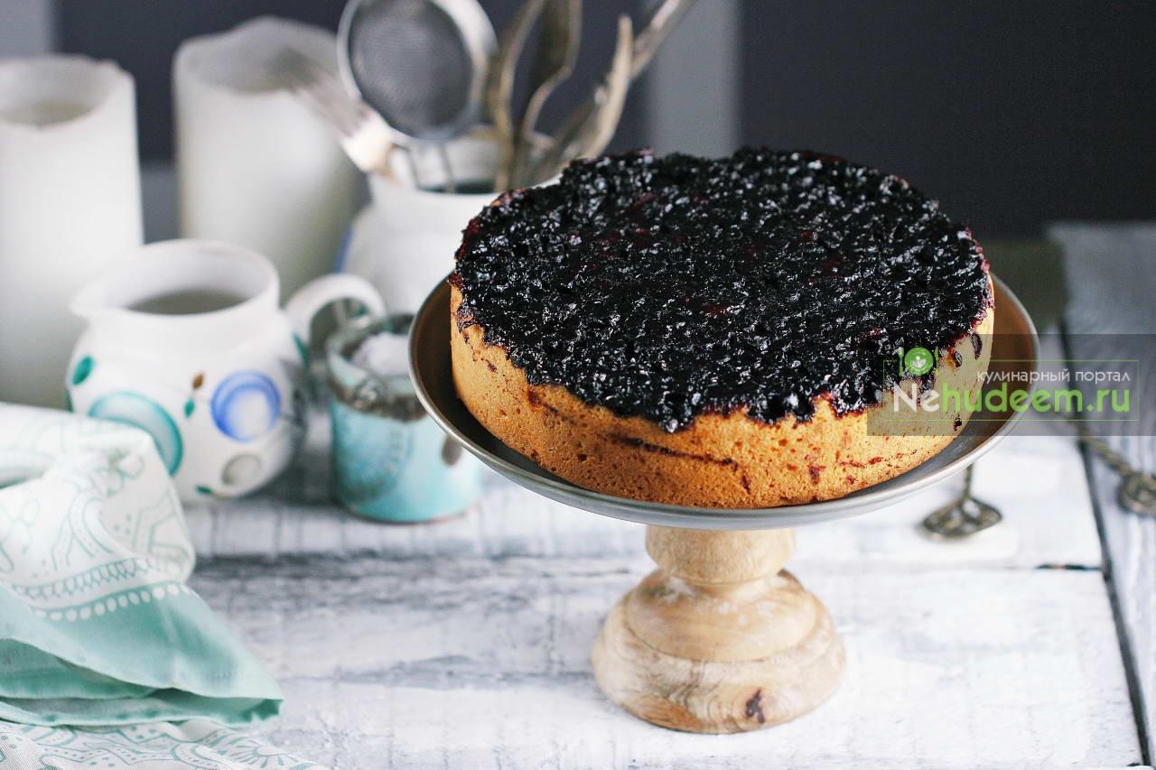 Пирог-перевертыш с черникой