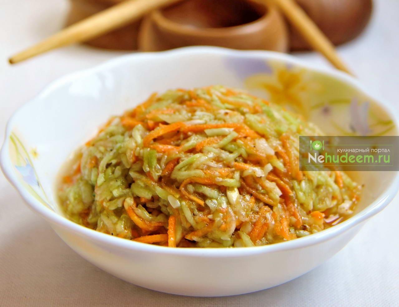 Салат из моркови и огурцов по-корейски