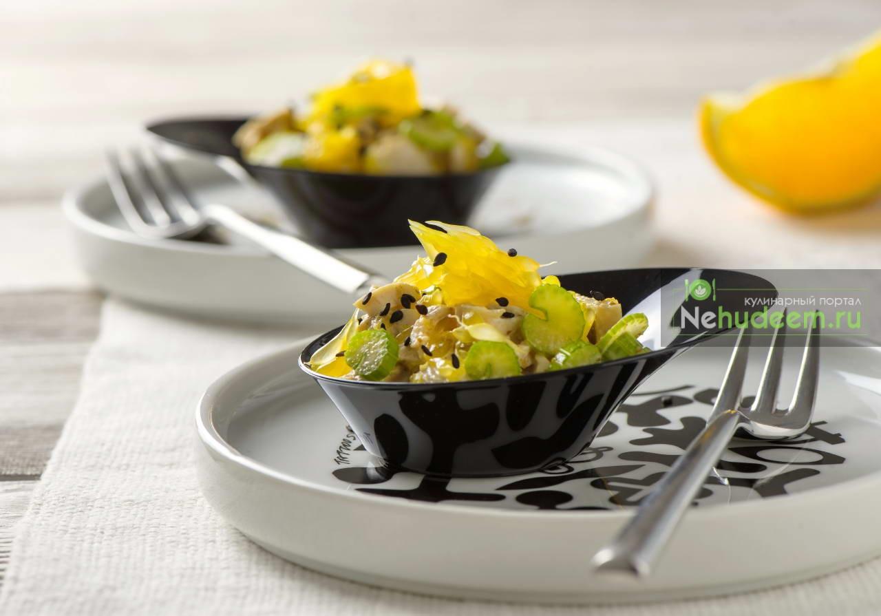 Салат с апельсинами и ореховой заправкой