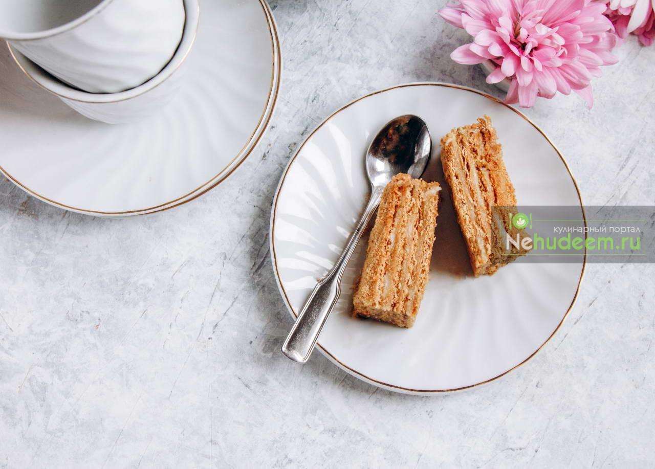Постный торт Медовик с кремом из кешью