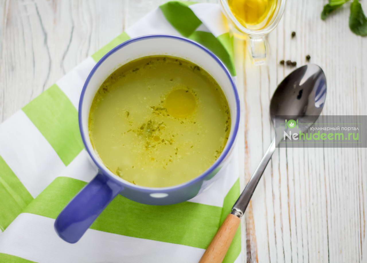 Суп из зелёного горошка с мятой