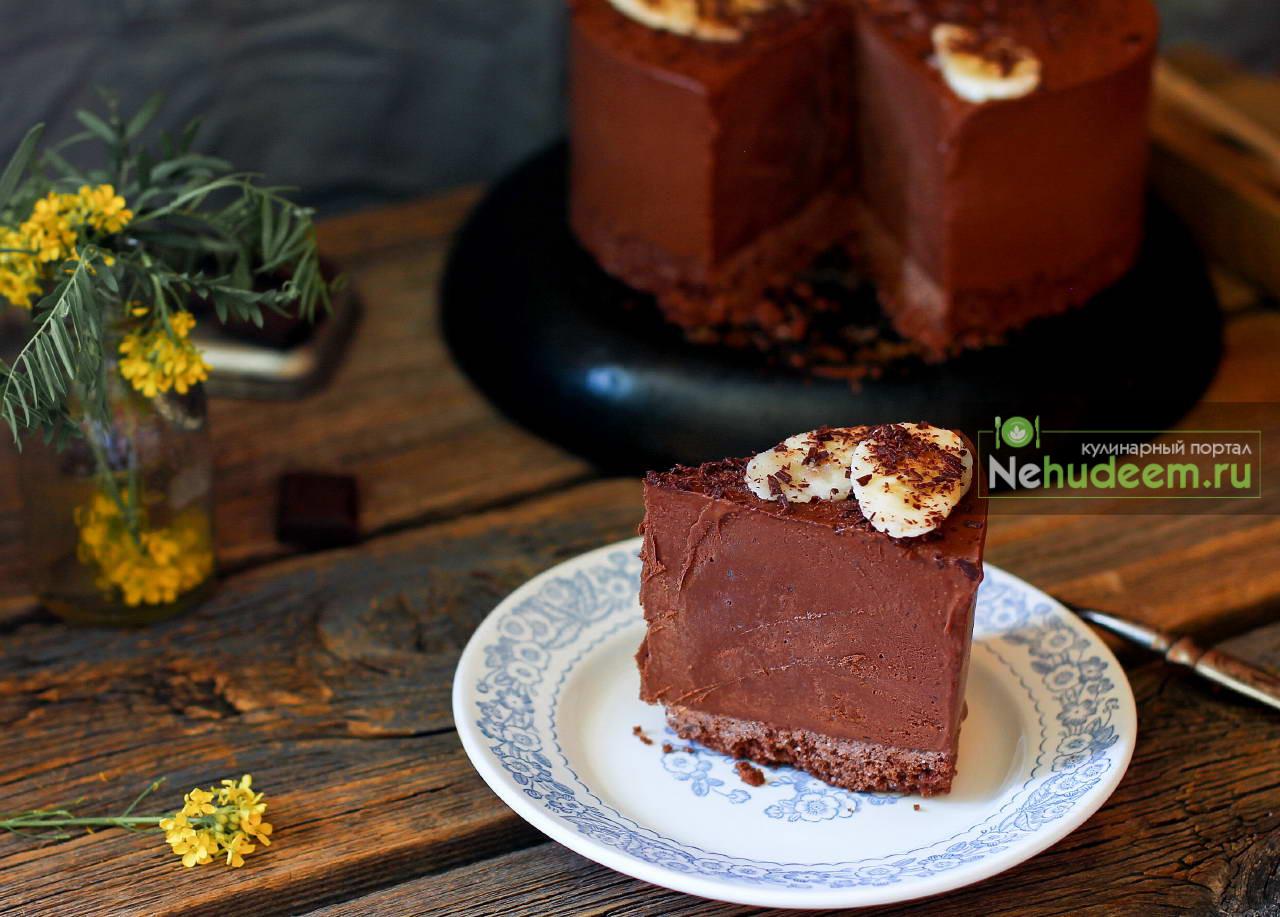 Шоколадно-банановый торт-мороженое