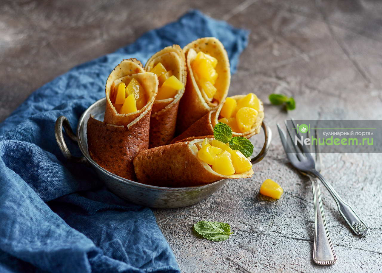 Кукурузно-рисовые блинчики с персиками