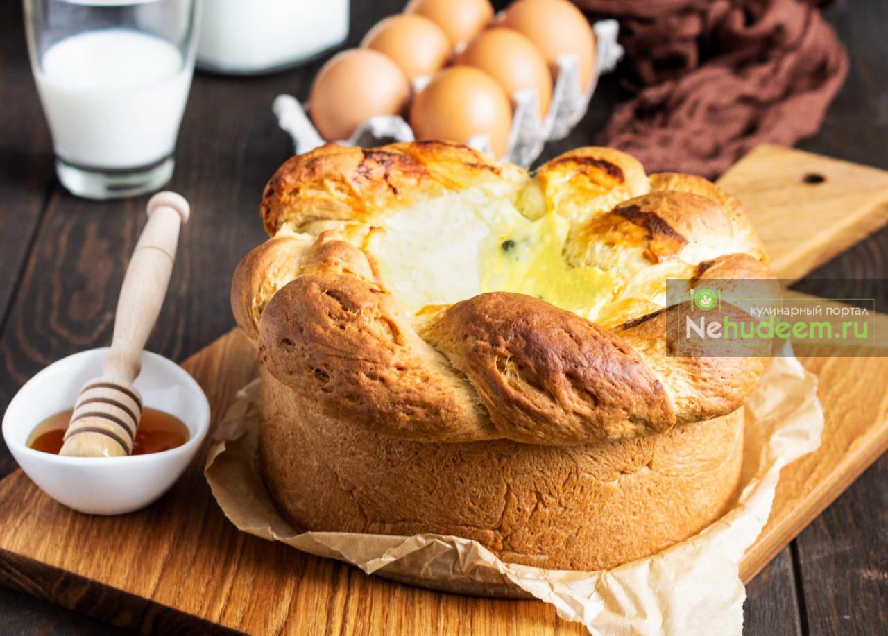 Румынский пасхальный хлеб