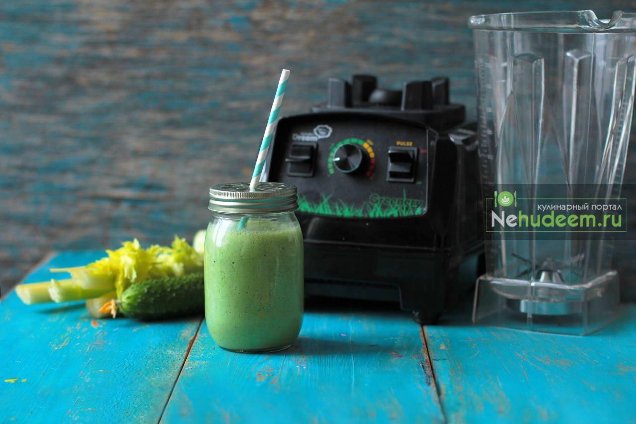 Зеленый смузи на кефире