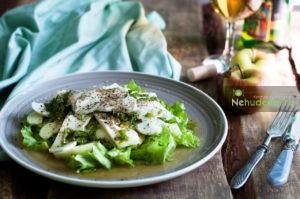 https://nehudeem.ru/recipe/salat-s-yablokami-i-syirom-feta/
