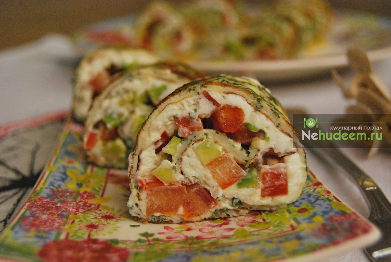 Роллы из омлета с овощами