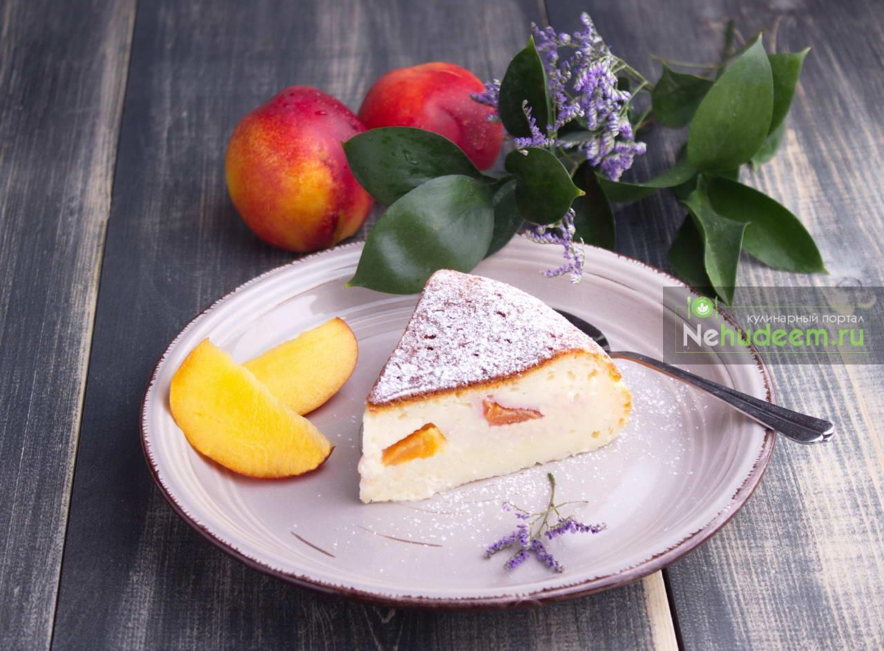 Творожный пирог с нектаринами в мультиварке
