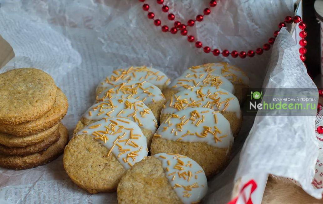 Имбирное печенье с шоколадной глазурью